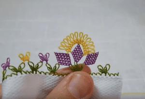 İğne Oyası Üç Yapraklı Çiçek Yapımı 1