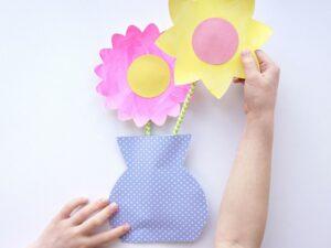 Kartondan Çiçek Yapımı Etkinlikleri 9