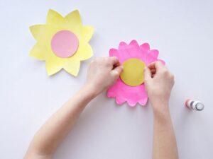 Kartondan Çiçek Yapımı Etkinlikleri 30