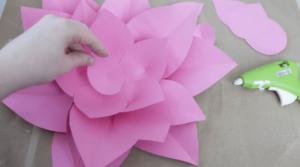 Kartondan Çiçek Yapımı Etkinlikleri 3
