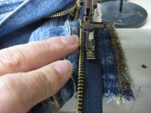 Kot Pantolon Fermuarı Nasıl Değiştirilir? 25