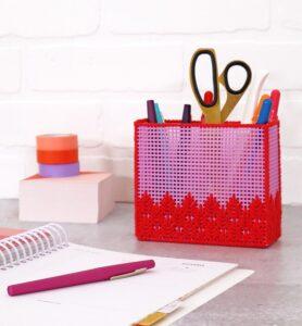 Plastik Kanvas ile Kalemlik Nasıl Yapılır?
