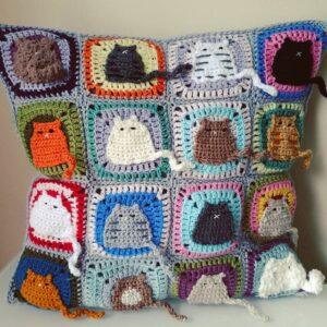 Kedi Motifli Yastık Nasıl Örülür? 6