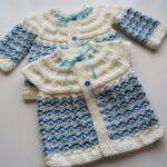 İki Renkli Örgü Bebek Yelek Modelleri 11