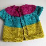 İki Renkli Örgü Bebek Yelek Modelleri 30