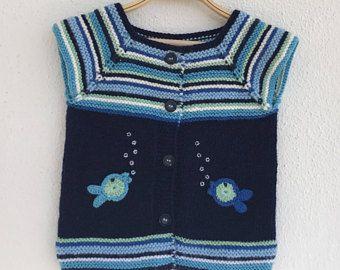 İki Renkli Örgü Bebek Yelek Modelleri 32