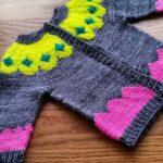 İki Renkli Örgü Bebek Yelek Modelleri 6