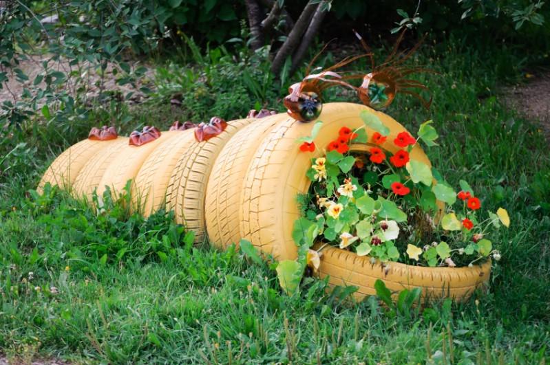 Araba Lastiği ile Bahçe Dekorasyonu 53