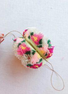 Çiçekli Ponpon Nasıl Yapılır? 21