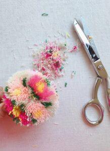 Çiçekli Ponpon Nasıl Yapılır? 25