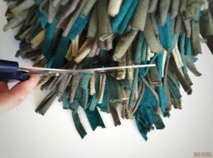Penye İpten Çam Ağacı Yapımı 10