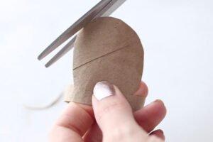 Tuvalet Kağıdı Rulosundan Kaktüs Yapımı 11