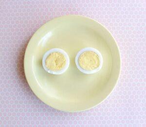 Haşlanmış Yumurtadan Tavşan ve Civciv Yapımı 4