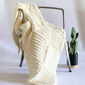Tığ ile Kadife İpten Bebek Battaniyesi