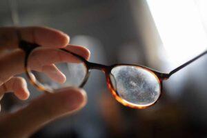 Gözlük Temizliği Nasıl Yapılır? 3