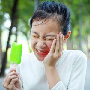 Dişlerinizi Çok Sert Fırçaladığınızı Gösteren 4 İşaret 7