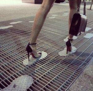 Topuklu Ayakkabı Giymemek İçin 10 Neden 1
